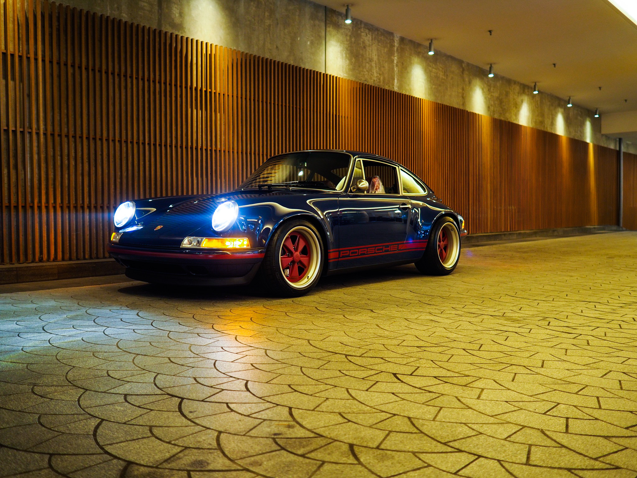 review porsche 911 restored by singer vehicle design pfaff auto. Black Bedroom Furniture Sets. Home Design Ideas